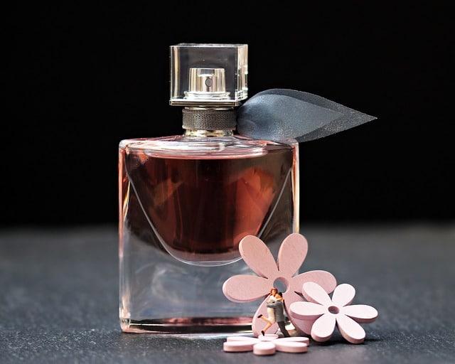 Lekkere parfum cadeau geven op moederdag.